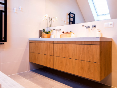 Fornirowana zabudowa łazienki