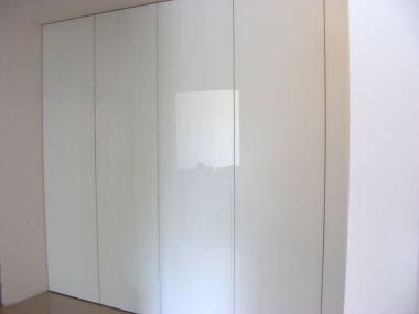 Garderoba biała, połysk
