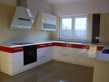 Kuchnia, biało-czerwona