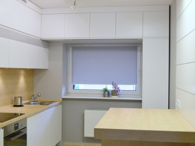 Kuchnia, połączenie bieli z szarością