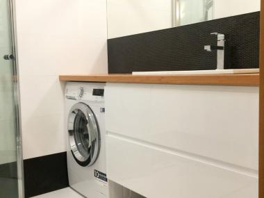 Szafka łazienkowa z szufladami; biały lakier