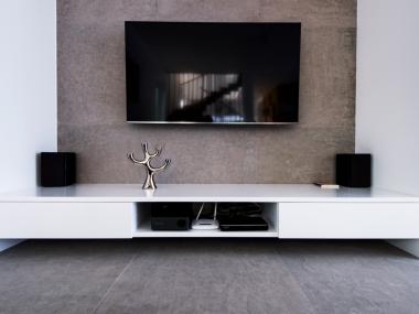 Wisząca szafka TV
